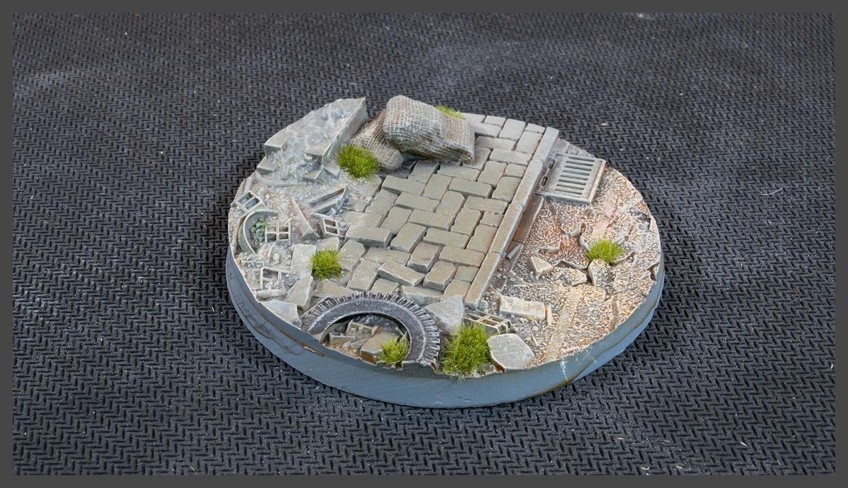 Urban Warfare Bases Round 60mm (Gamer's Grass) x2