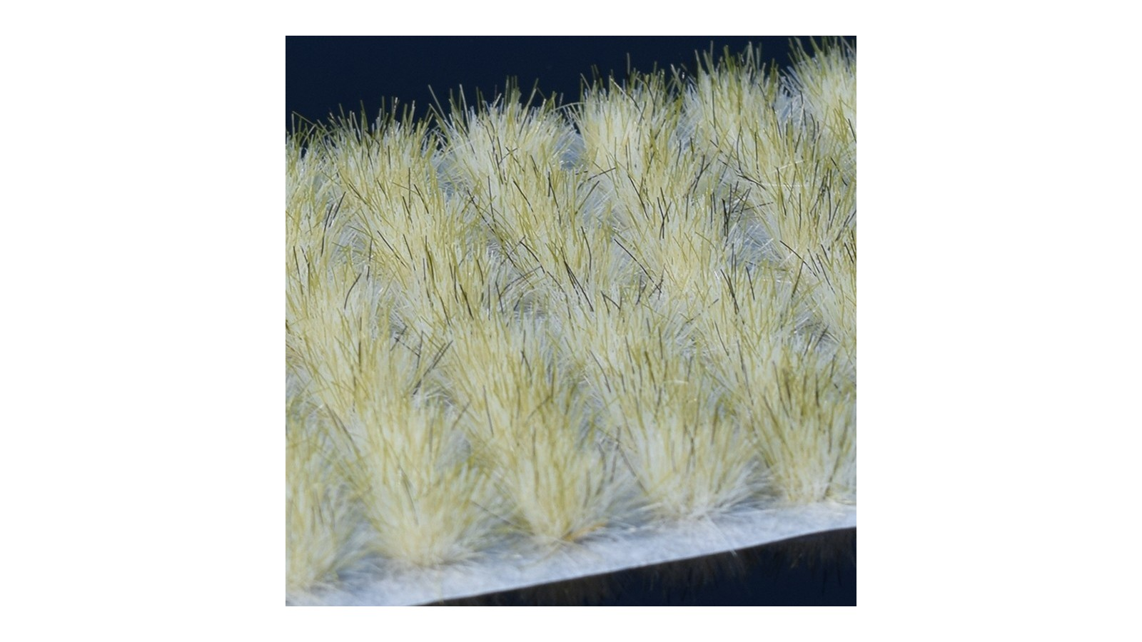 Winter Tufts (Gamer's Grass) Medium